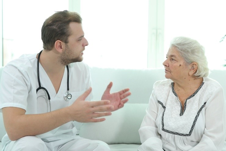 نوع خدمات به سالمندان در منزل