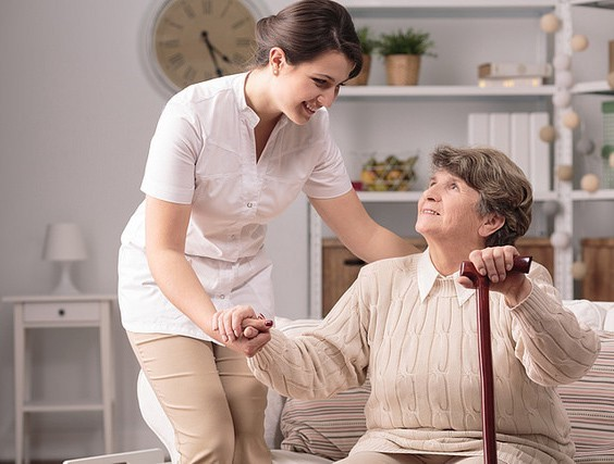 خدمات پرستار بیمار در منزل شامل چه مواردی می شود؟