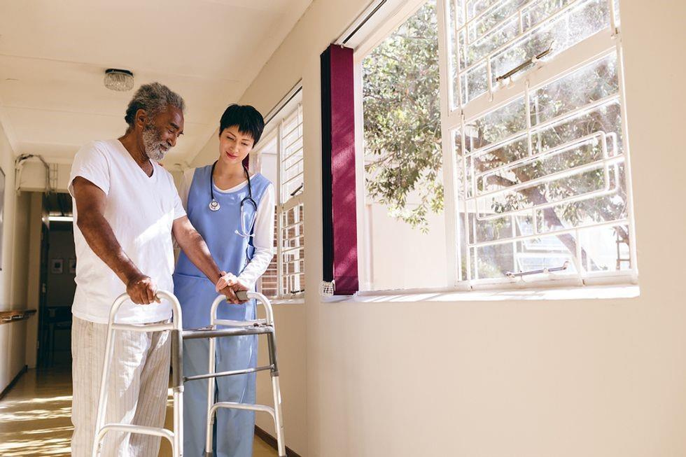 تعریف پرستاری و مراقبت از بیمار: