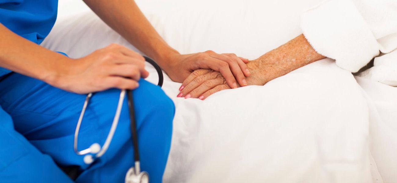 مراقب بیمار باید چه ویژگی هایی داشته باشد؟