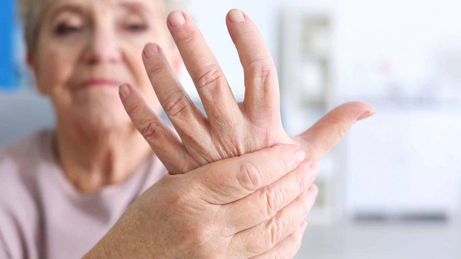 - متخصصین روماتولوژی بر روی درمان چه بیماری هایی در منزل تمرکز دارند ؟