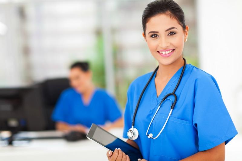 چه خدماتی توسط پرستار بیمار در بیمارستان تهران ارائه می شود؟