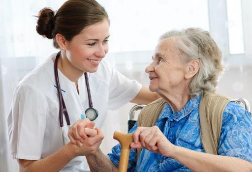 نتایج و صرفه اقتصادی مراقبت از بیمار در منزل