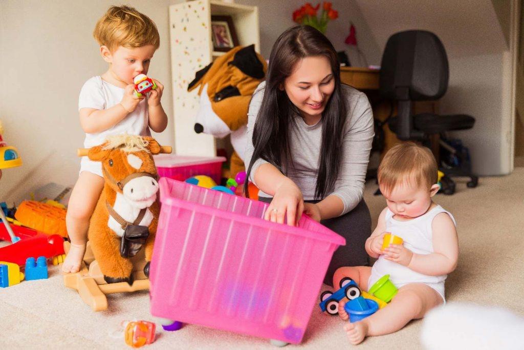 پرستار کودک انتخابی بهتر است در چه رنج سنی قرار داشته باشد؟