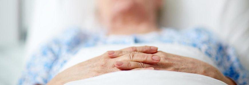 جراحی به عنوان یک روش درمانی برای زخم بستر به چه صورتی انجام می شود؟