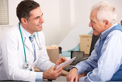 مشکلات کادر درمانی مراکز خدمات درمانی در منزل چیست؟