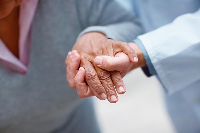 اثرات مراقبت از بیمار در منزل