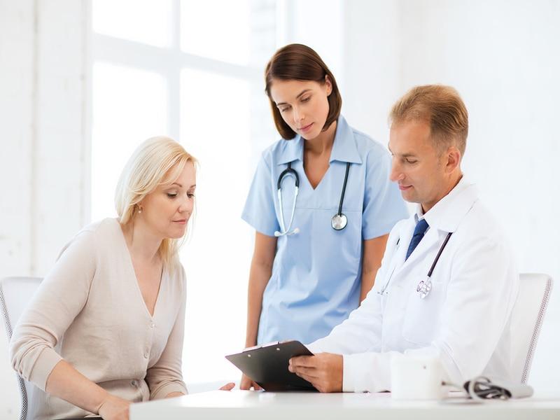 پرستاری از بیمار در منزل چه خدمات مختلفی را شامل می شود؟ آیا پرستاران قادر به انجام خدمات خاصی هستند؟