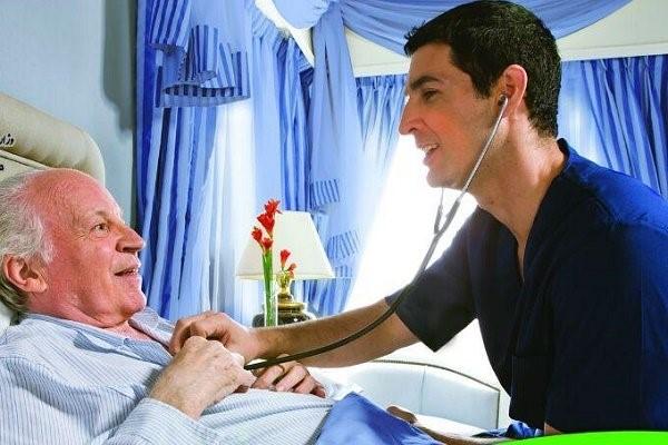 مزایای مراقبت از بیمار در منزل