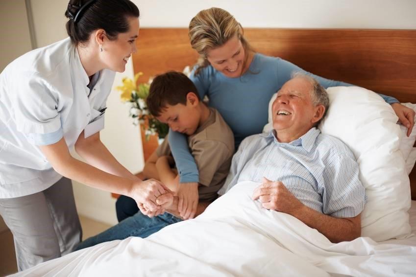 علت درخواست پرستار در منزل توسط افراد چیست؟