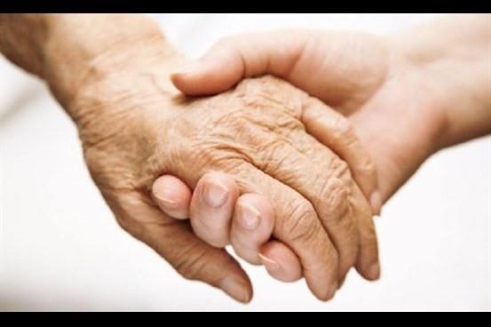 روابط متقابل خانواده و کادر بهداشت و درمان در گسترش روش درمانی مراقبت از بیمار در منزل