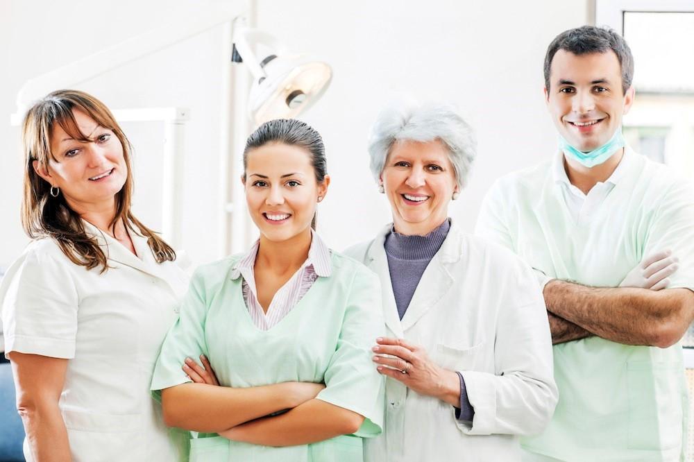 •ویزیت پزشک عمومی در منزل برای چه کسی مناسب است ؟