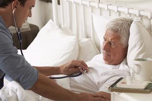 آیا میزان تعرفه ویزیت بیمار در منزل با تعرفه ویزیت بیمار در درمانگاه یکسان است؟
