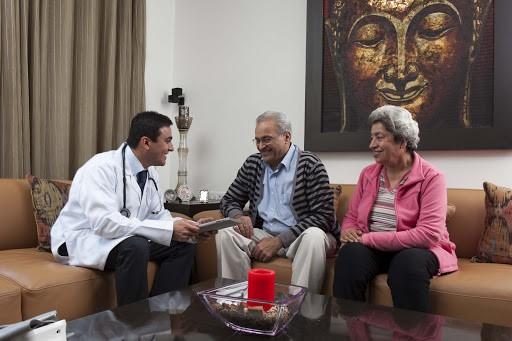 مزایای ویزیت پزشک در منزل:
